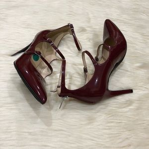 """Marc Fisher Daily Burgundy Pumps Size 7.5"""""""